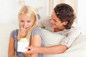 Що подарувати дівчині якщо вона хворіє
